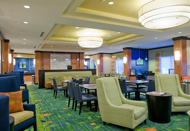 Fairfield_Inn__Suites_-_Lobby